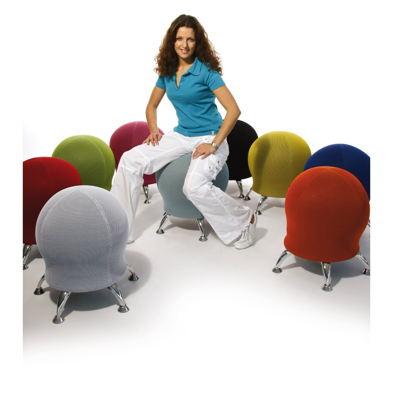 beépített tornalabdás szék